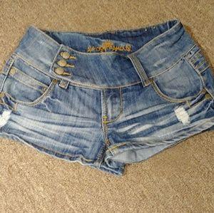 Almost Famous Denim Shorts / Short Shorts Size 7